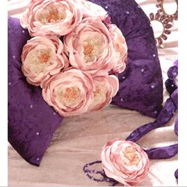 「Designer's Collection」 花びらのブーケとおそろいのチョーカー